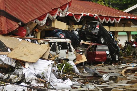 Thảm họa động đất - sóng thần ở Indonesia: Ít nhất 420 người thiệt mạng - Ảnh 2.