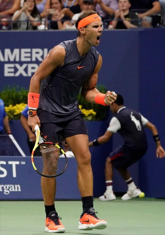 Clip: Thua ngược Nadal, Dominic Thiem thốt lên Tennis thật tàn nhẫn - Ảnh 4.