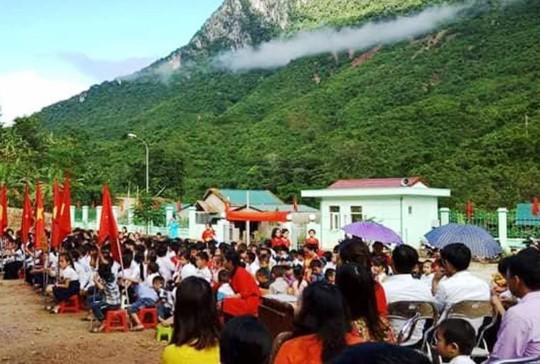 Hình ảnh khai giảng năm học mới tại vùng tâm lũ Mường Lát - Ảnh 2.