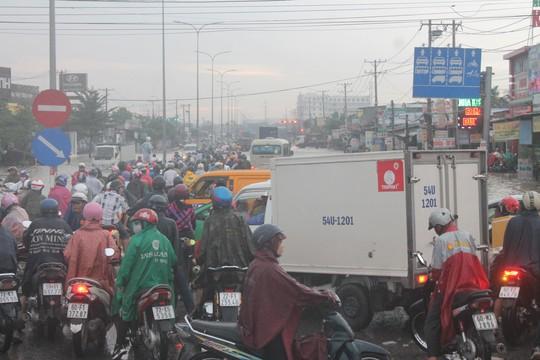 Bế tắc giao thông Đồng Nai - Ảnh 1.