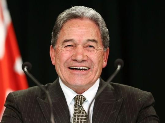 """Thủ tướng New Zealand bị chỉ trích chuyến bay """"khó đỡ"""" để chăm con - Ảnh 2."""
