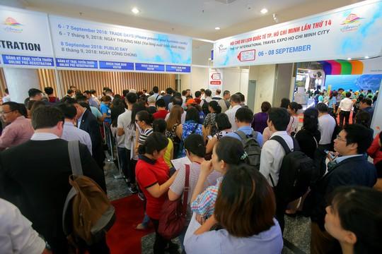 Rồng rắn xếp hàng mua vé 0 đồng tại Hội chợ Du lịch Quốc tế TP HCM - Ảnh 14.