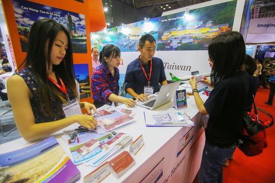 Rồng rắn xếp hàng mua vé 0 đồng tại Hội chợ Du lịch Quốc tế TP HCM - Ảnh 9.