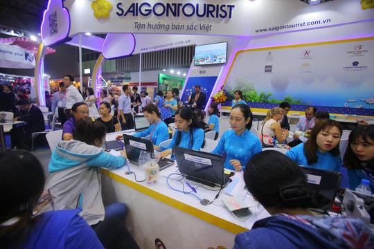 Rồng rắn xếp hàng mua vé 0 đồng tại Hội chợ Du lịch Quốc tế TP HCM - Ảnh 5.