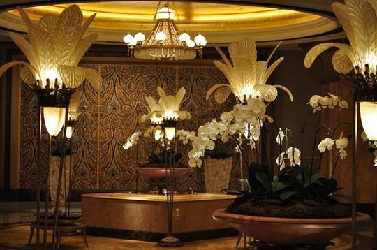 Chiêm ngưỡng khách sạn dát vàng 7 sao siêu xa xỉ ở UAE - Ảnh 9.