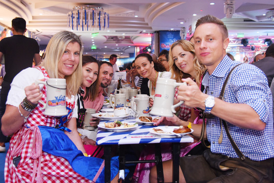 Oktoberfest Việt Nam 2018 tại Khách sạn Windsor Plaza - Ảnh 2.