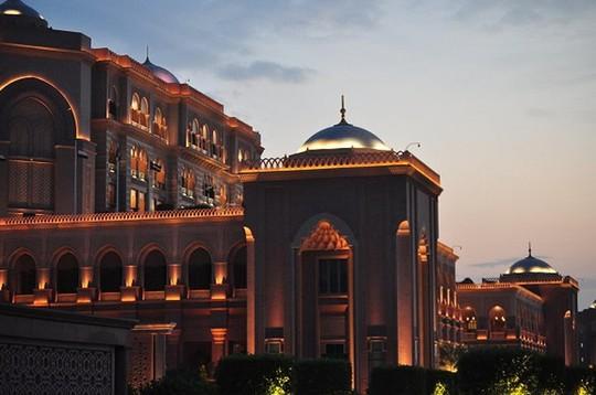 Chiêm ngưỡng khách sạn dát vàng 7 sao siêu xa xỉ ở UAE - Ảnh 14.