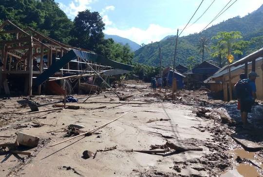Thanh Hóa đề nghị Trung ương hỗ trợ 900 tỉ đồng khắc phục hậu quả mưa lũ - Ảnh 1.