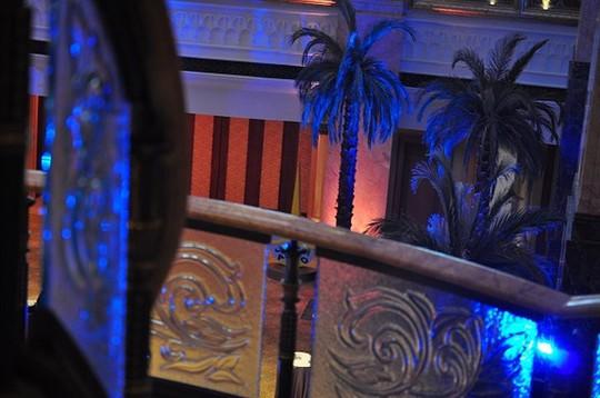 Chiêm ngưỡng khách sạn dát vàng 7 sao siêu xa xỉ ở UAE - Ảnh 8.