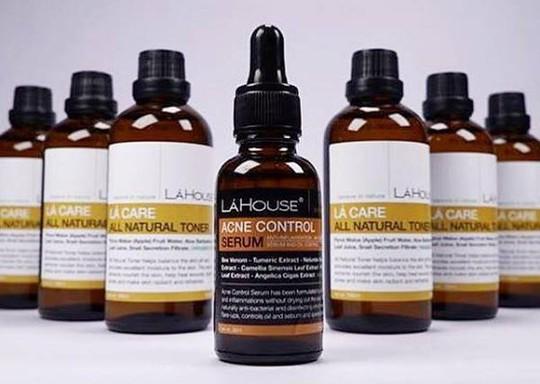 Thu hồi toàn quốc sản phẩm trị mụn Acne control serum - Ảnh 1.