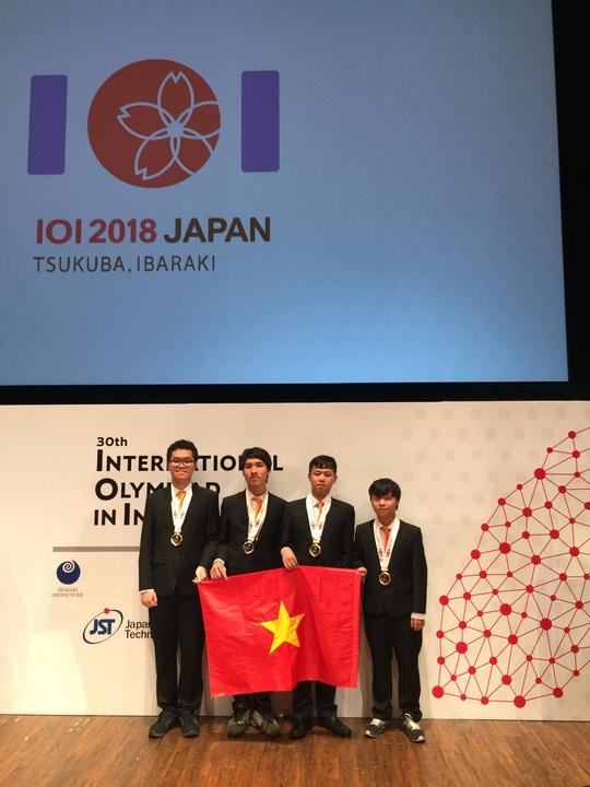 Việt Nam xuất sắc giành 4 huy chương tại Olympic Tin học quốc tế - Ảnh 1.