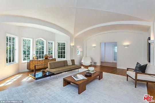 Căn villa mới đẹp mê ly của nam tài tử phim Titanic - Ảnh 11.