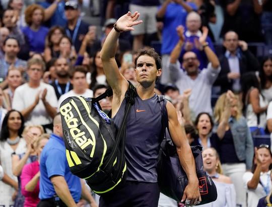 Nadal bỏ cuộc vì chấn thương, Del Potro vào chung kết có Djokovic - Ảnh 6.