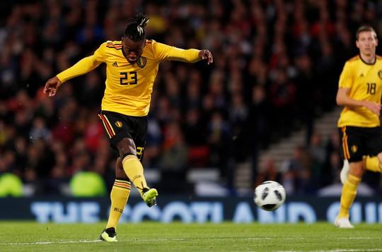 Huynh đệ nhà Hazard trổ tài kiến tạo, Bỉ đè bẹp Scotland - Ảnh 4.