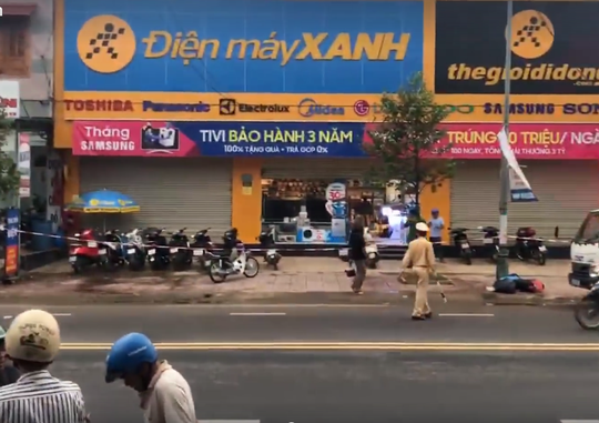 Nữ quản lý siêu thị Điện Máy Xanh bị bảo vệ đâm chết - Ảnh 1.
