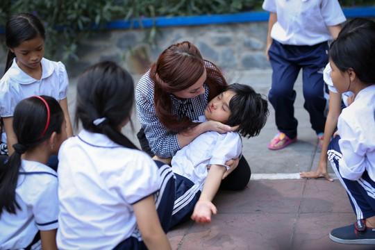 Phi Nhung với tâm nguyện xây trường cho những đứa trẻ bị bỏ rơi - Ảnh 3.