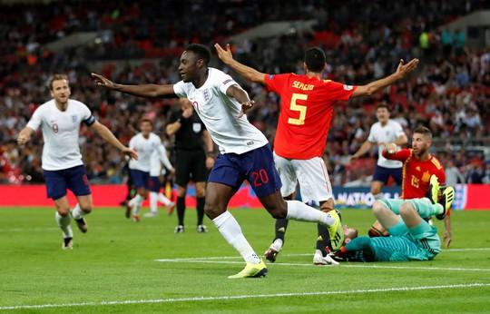 Sao Man United định đoạt số phận, Anh thua sốc Tây Ban Nha - Ảnh 6.
