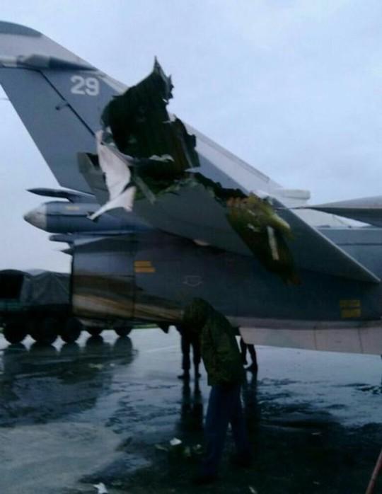Rộ ảnh máy bay Nga bị hư hại tại Syria - Ảnh 2.