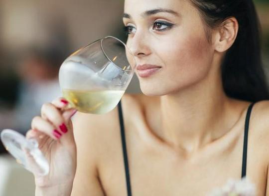 Phát hiện bất ngờ về chứng đỏ mặt khi uống rượu - Ảnh 2.