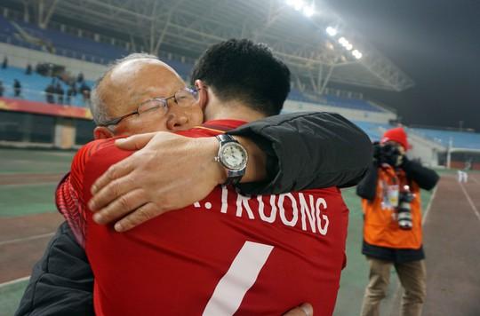 HLV Park Hang Seo: Chiến thắng là quà mừng sinh nhật con trai 8 tuổi - Ảnh 2.