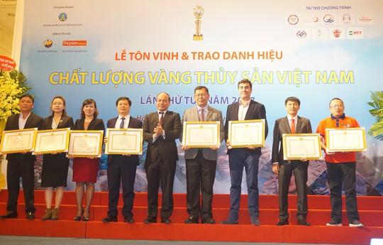 Skretting Vietnam - Top 5 Doanh nghiệp xuất sắc ngành thủy sản nhậnbằng khen của Chính phủ - Ảnh 1.