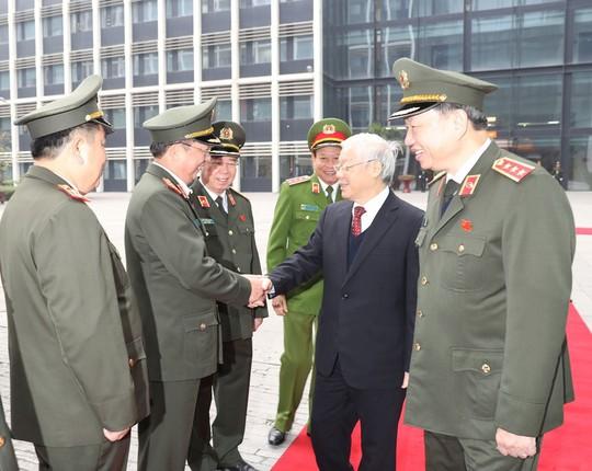 Tổng Bí thư Nguyễn Phú Trọng dự hội nghị Công an toàn quốc - Ảnh 1.