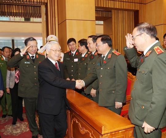 Tổng Bí thư Nguyễn Phú Trọng dự hội nghị Công an toàn quốc - Ảnh 3.