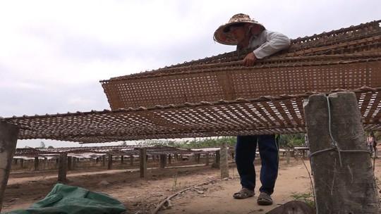 Bí quyết của làng nghề bánh tráng trăm năm phục vụ Tết - Ảnh 7.