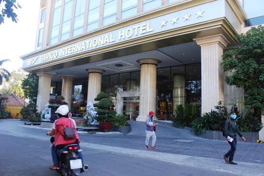 Giám đốc khách sạn sang chứa gái mại dâm phục vụ khách Trung Quốc - Ảnh 1.