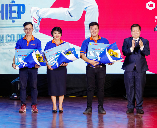 Chủ nhân cửa hàng Co.op Smile trị giá 1 tỉ đồng đã lộ diện - Ảnh 3.