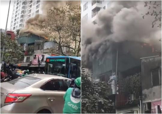 Hà Nội: Cháy lớn nhà 4 tầng kinh doanh đồ nhựa trên phố - Ảnh 4.
