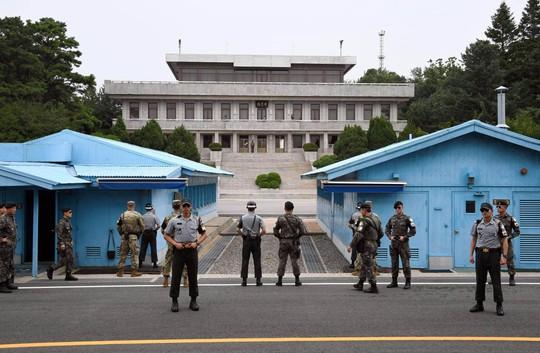 Hàn Quốc tiến thoái lưỡng nan - Ảnh 1.