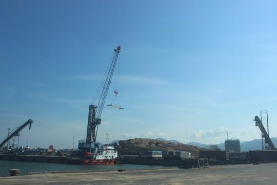 Phải mua lại cảng Quy Nhơn! - Ảnh 1.