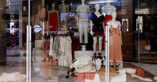 H&M đóng một loạt cửa hàng sau quảng cáo phân biệt chủng tộc - Ảnh 1.