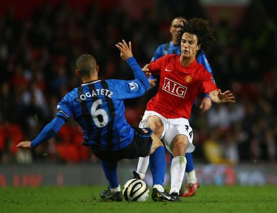 Công Vinh chiêu mộ cựu cầu thủ Manchester United - Ảnh 2.