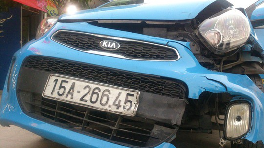 Xe bán tải tông chết 2 nữ sinh, điên loạn bỏ chạy gây tai nạn liên hoàn - Ảnh 3.