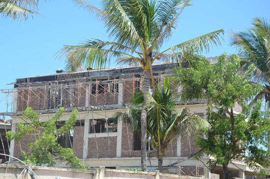 Xây hàng chục biệt thự trái phép ven biển Đà Nẵng - Ảnh 1.