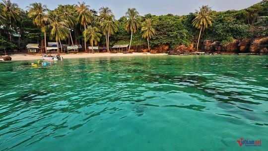 Sững sờ trước sắc xanh kỳ diệu của biển trời Phú Quốc - Ảnh 10.