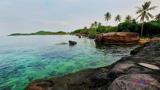 Sững sờ trước sắc xanh kỳ diệu của biển trời Phú Quốc - Ảnh 11.
