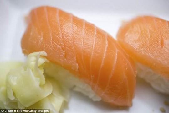 Cảnh báo: Ăn nhiều sushi, cẩn thận mắc bệnh giun sán - Ảnh 3.