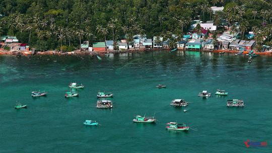 Sững sờ trước sắc xanh kỳ diệu của biển trời Phú Quốc - Ảnh 4.