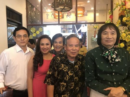 15 năm nhóm nghệ sĩ Minh Vương làm chuyện… bao đồng - Ảnh 6.