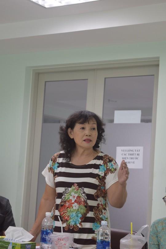 Cô giáo làm thơ tình nhận tặng thưởng vướng ồn ào trái chiều - Ảnh 4.