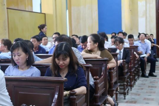 Đại gia Hứa Thị Phấn vắng mặt trong phiên xử Trầm Bê - Ảnh 2.