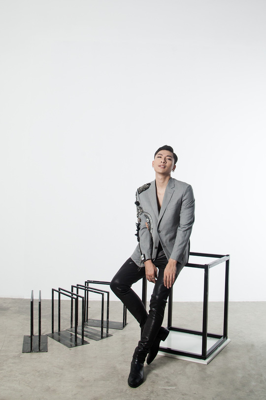 Siêu mẫu Trần Trung cực ngầu trong loạt ảnh thời trang mới - Ảnh 2.