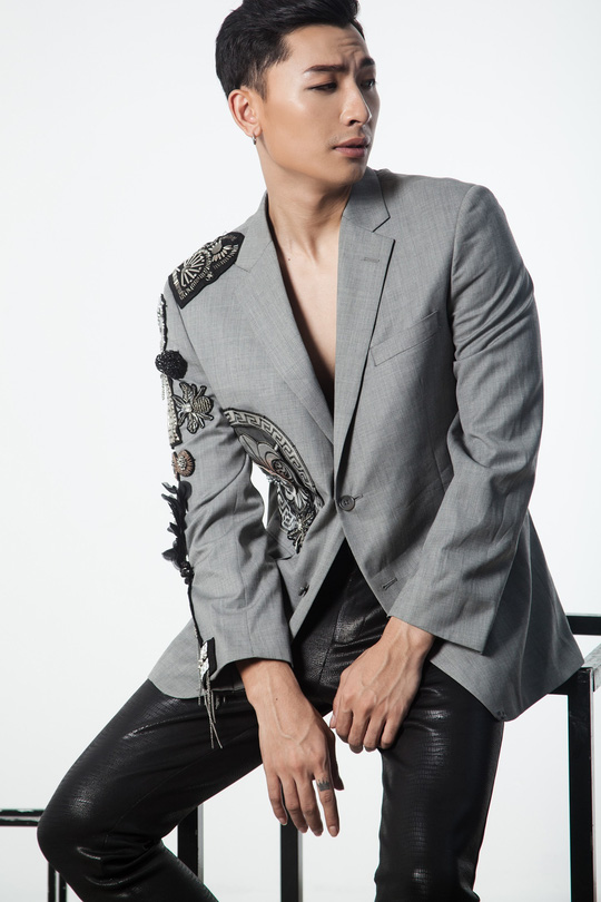 Siêu mẫu Trần Trung cực ngầu trong loạt ảnh thời trang mới - Ảnh 3.