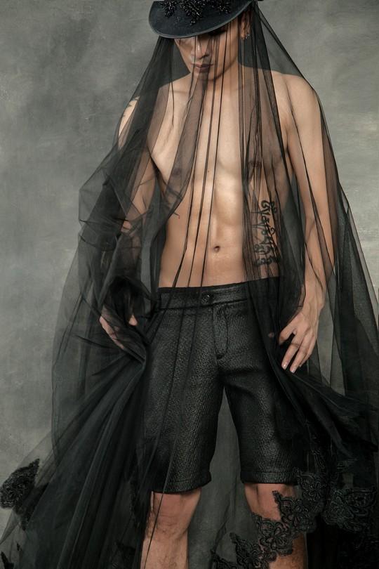 Siêu mẫu Trần Trung cực ngầu trong loạt ảnh thời trang mới - Ảnh 10.