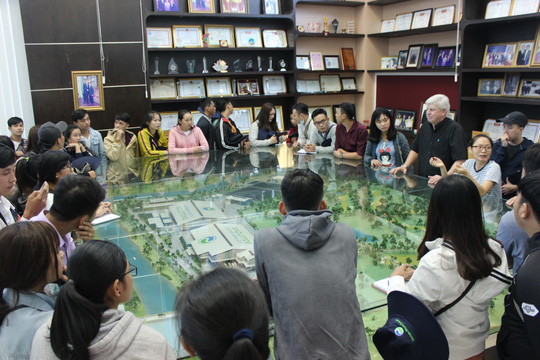 Sinh viên Đại học Tây Đô học thực tế tại Đa Phước - Ảnh 1.