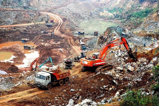 Xuất khoáng sản sang Trung Quốc với giá rẻ mạt - Ảnh 1.