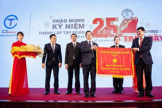 C.T Group nhận Huân chương Lao động hạng nhì - Ảnh 1.